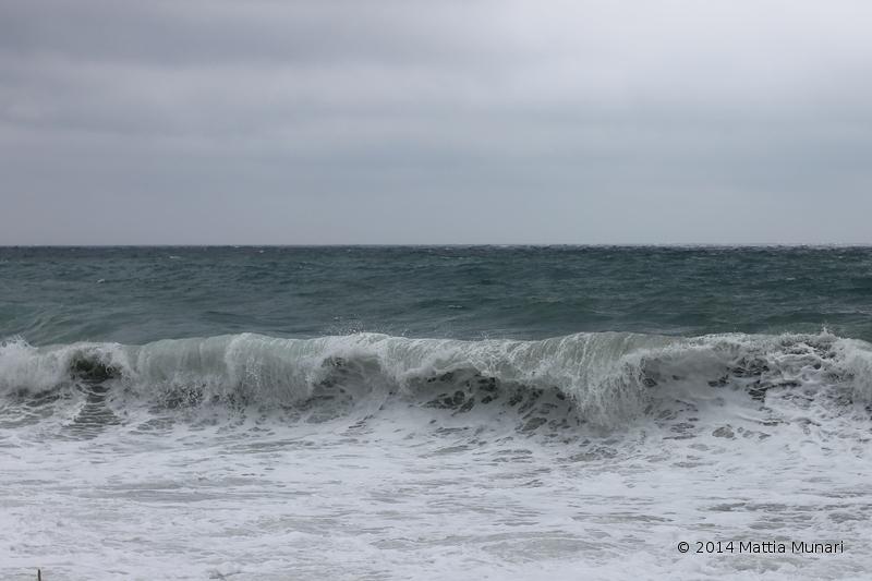 Mare impetuoso mareggiata Varazze (SV)