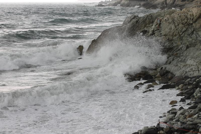 Mare impetuoso mareggiata agosto 2014 varazze baia del corvo