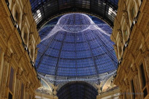 Addobbi natalizi in galleria Vittorio Emanuele a Milano