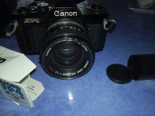 Canon AV-1 con 50mm f/1.4 S.S.C. e Ilford FP4+